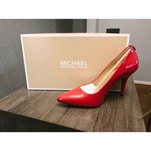 Michael Kors Dorothy Pointed Pump